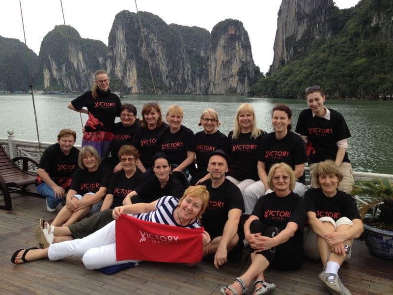 VT Juro - So skupinou na Halong Bay vo Vietname
