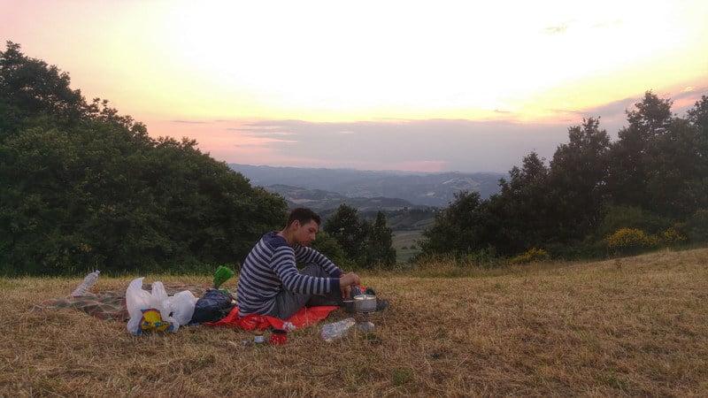 HorSa do Ríma - kemping na kopci, západ slnka