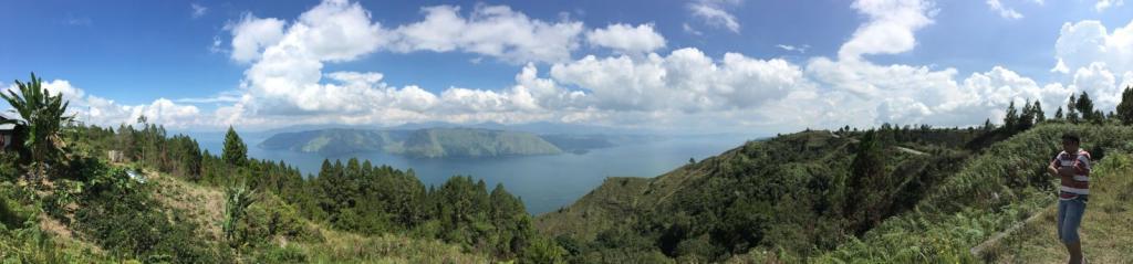 Pobrežie hornatého ostrova, rozhovor s nomádom