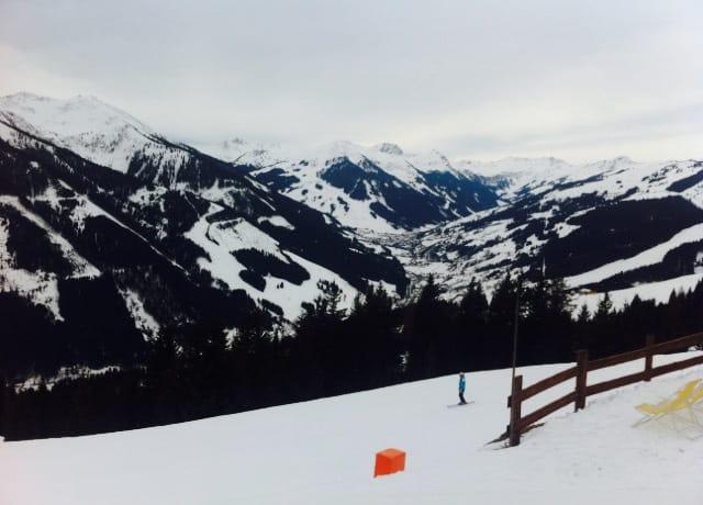 Lyžovačka vo vysokých horách počas práce v zahraničí