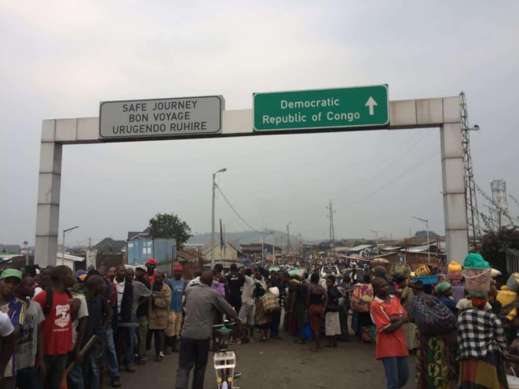 Hraničný prechod medzi Rwandou a Kongom, mesto Goma