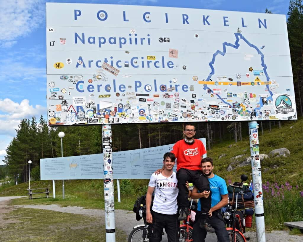 Chalani z Na babette po svete, pod poľskou tabuľou