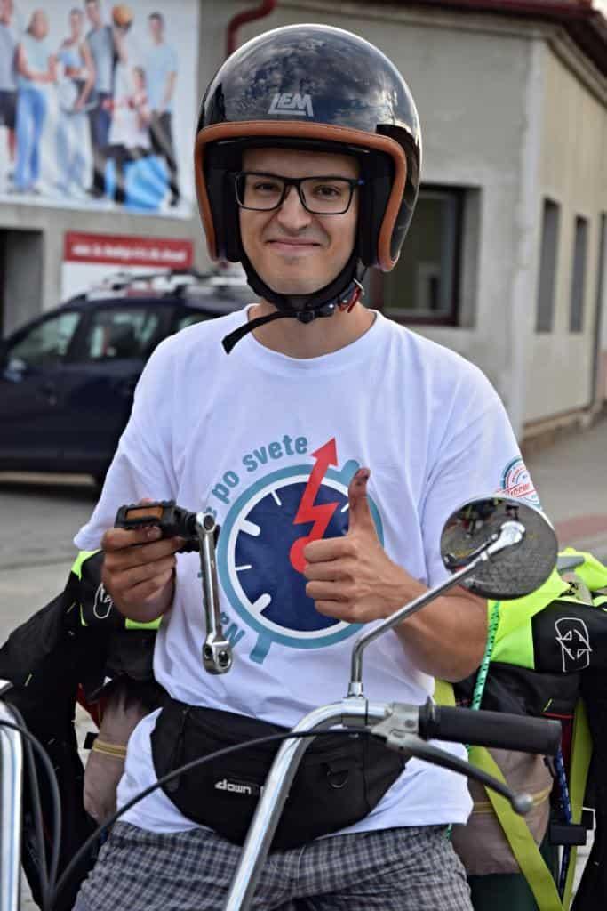 Motorkár z Na babette po svete