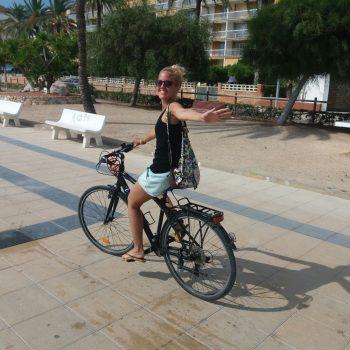 V Carafiel na bicykli, Andreita Miklas