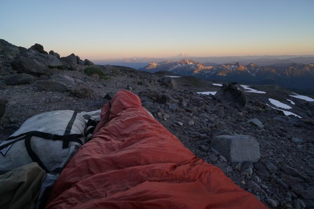 Turistická výbava na dlhé túry: Mt-Rainier-sleeping